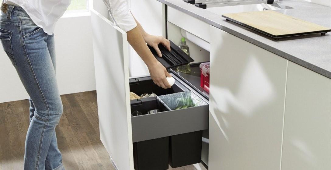 Abfallsammler Zur Mülltrennung In Der Küche  Blanco von Mülleimer Einbauküche Bild