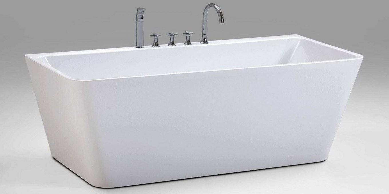 Armatur Für Freistehende Badewanne  Badezimmer von Freistehende Badewanne Mit Integrierter Armatur Bild