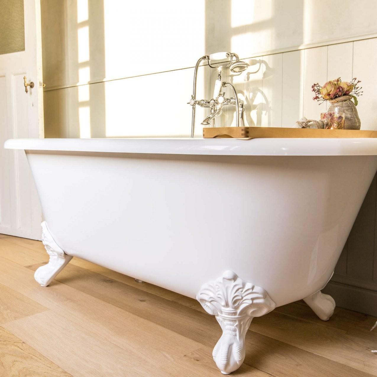 Badewanne Auf Füßen  Oval  Verbundwerkstoff  Stein  Lonba von Freistehende Badewanne Mit Füßen Photo