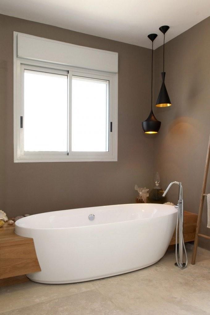 Badezimmer In Braun Und Beige Und Freistehende Badewanne  Bathrooms von Kleines Bad Freistehende Badewanne Photo