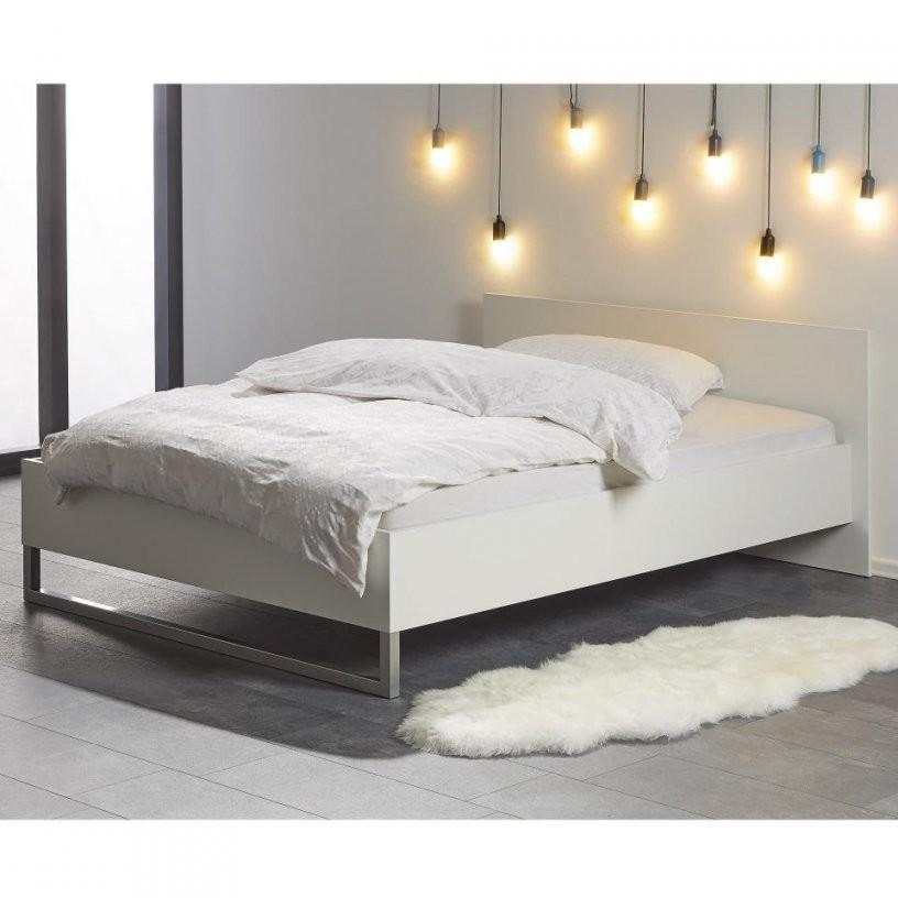 Bett 140X200 Cm In Weiß  Bettgestell Preiswert Kaufen  Dänisches von Weißes Bett 140X200 Photo