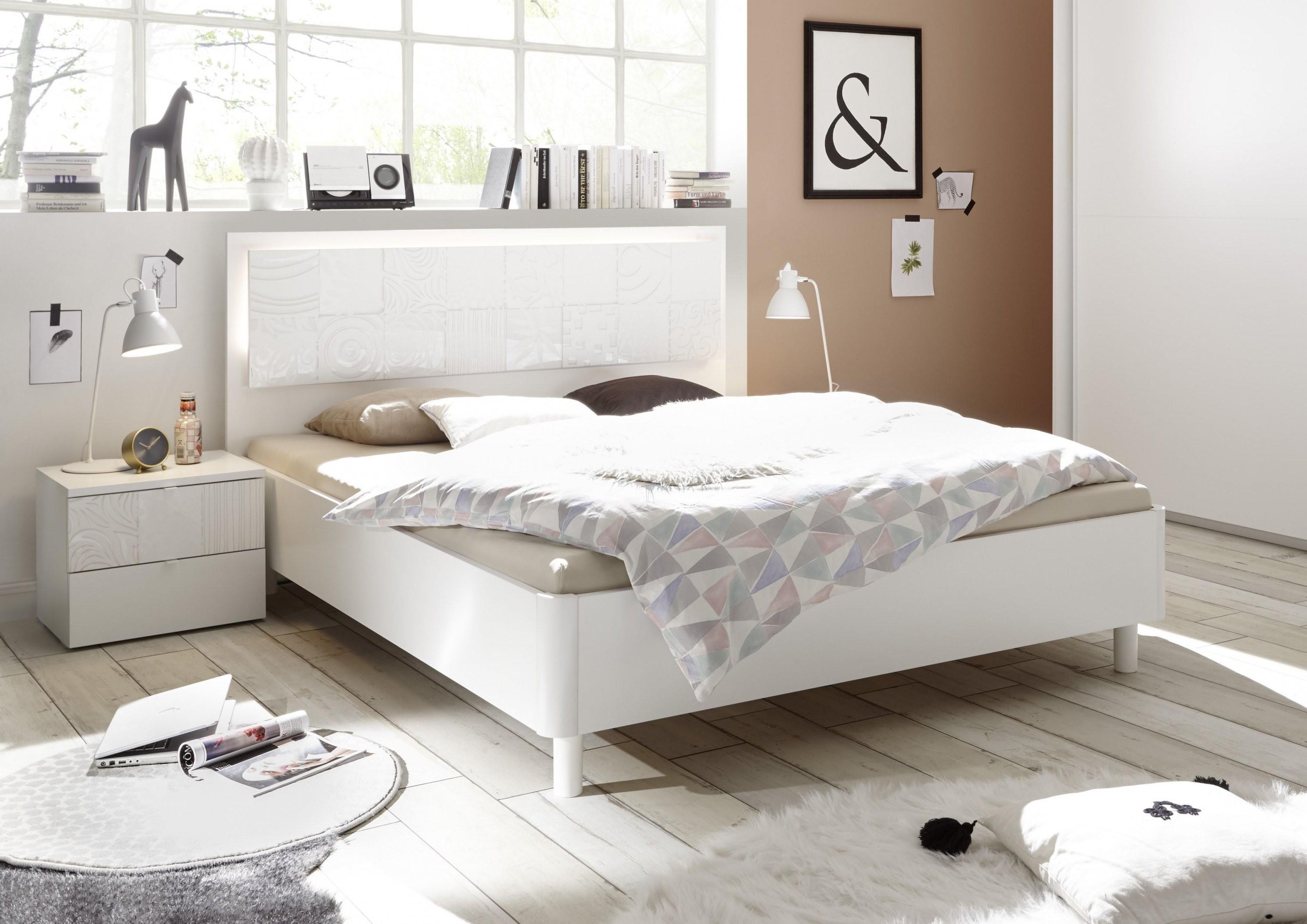Bett 180 X 200 Cm Mit Nakoset Weiss Matt Mit Siebdruck In Weiss von Bett 180X200 Weiß Hochglanz Photo
