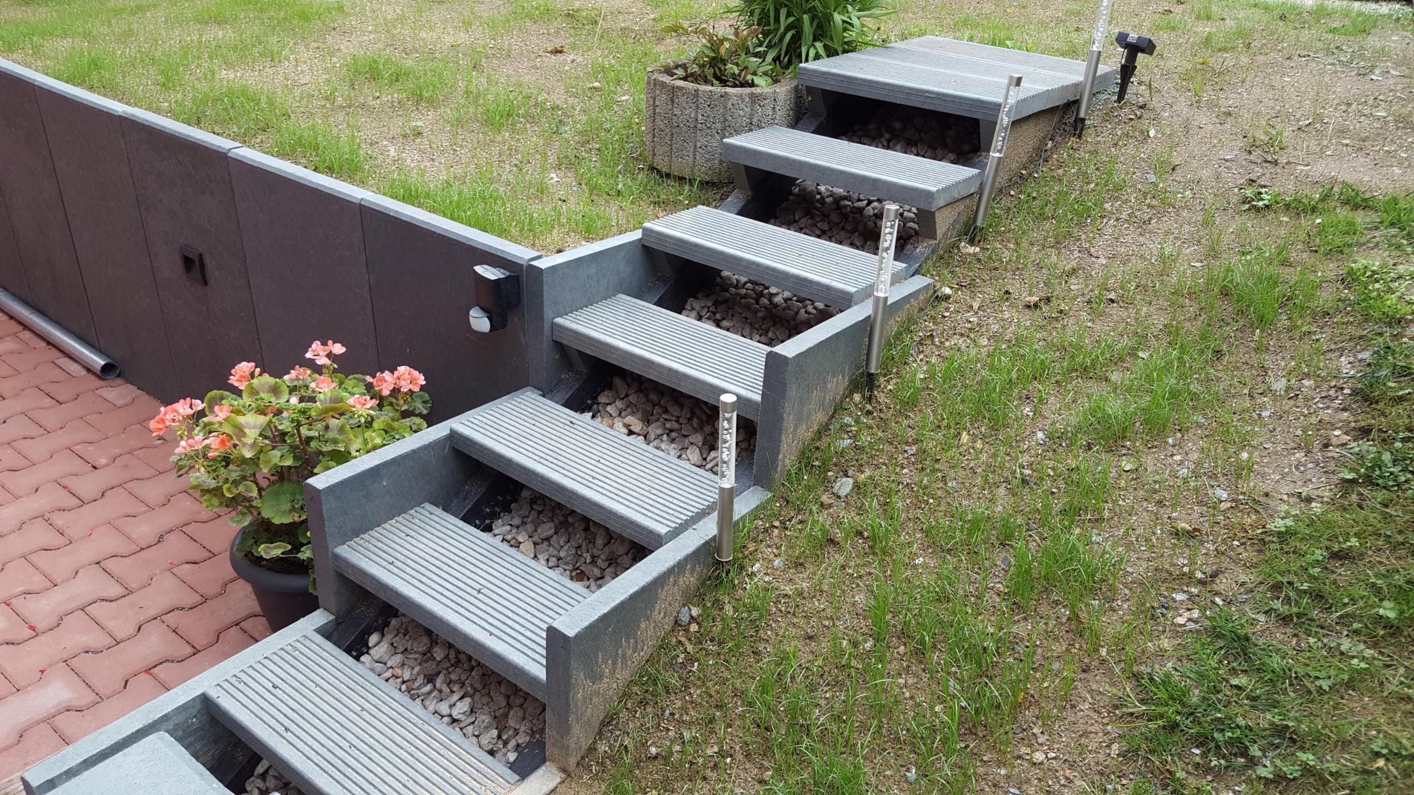 Böschungsabstützung Mit Lsteinen Aus Recyclingkunststoff von U Steine Garten Photo