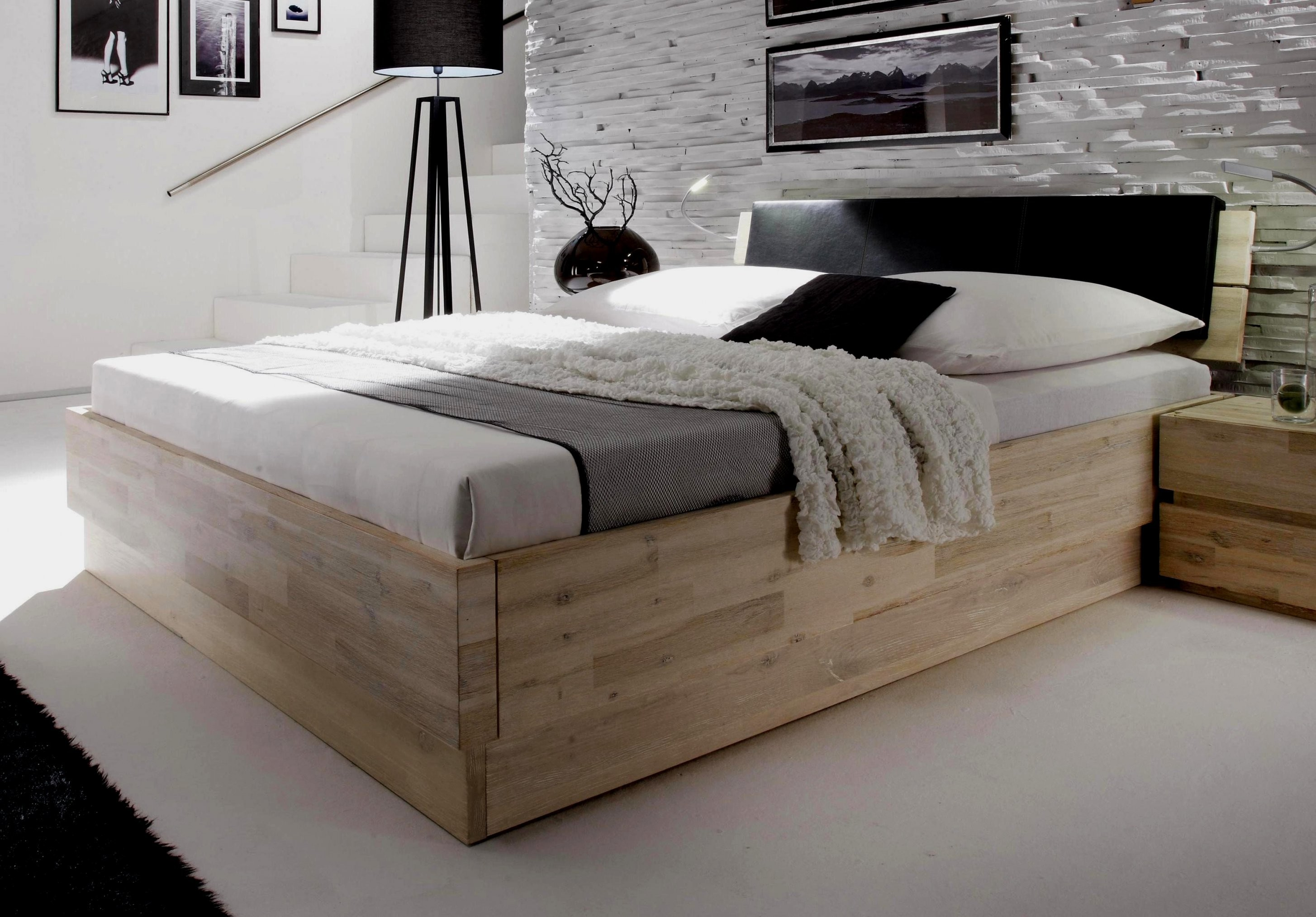 Cool Bett 200X200 Gebraucht Schon Bettgestelle Boxspring Holzbalken von Bett 200X200 Gebraucht Photo