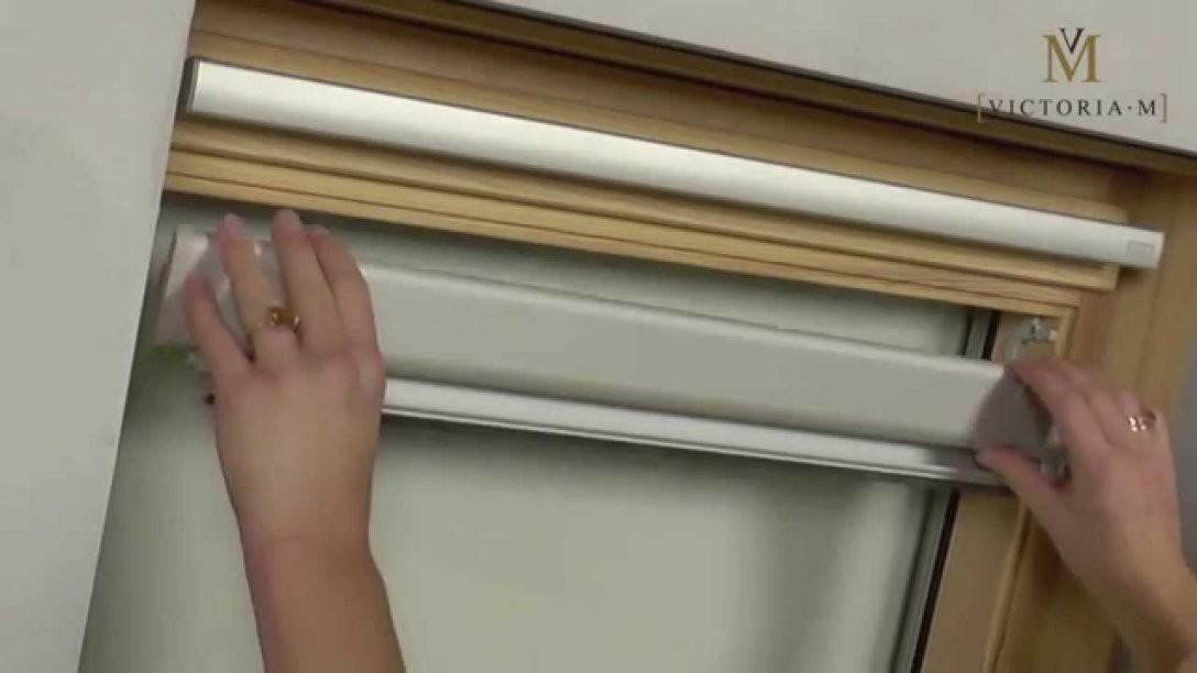 Dachfensterrollo  Verdunkelungsrollo Von Victoria M  Montage  Youtube von Rollos Für Velux Fenster Bild