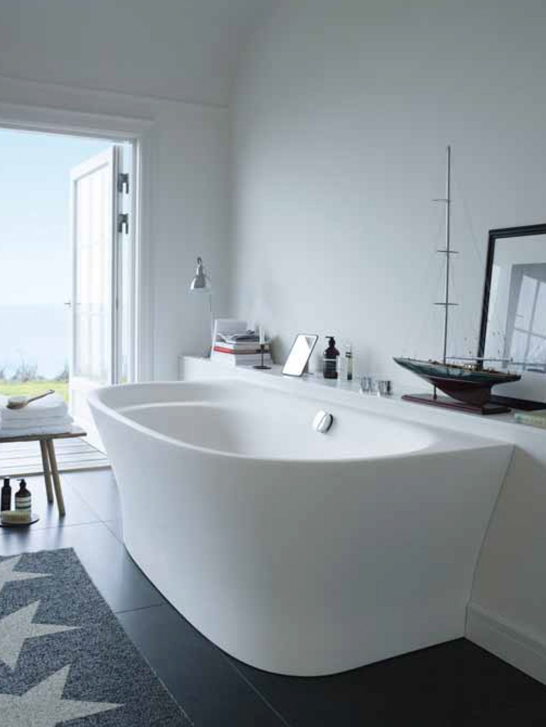 Duravit Cape Cod Back Towall Version 700364  D U R A V I T von Duravit Cape Cod Badewanne Freistehend Photo