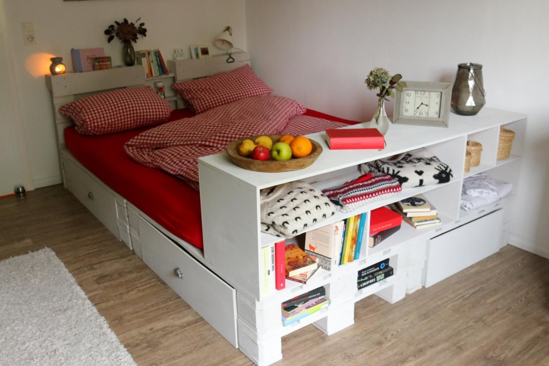 ᐅ Palettenbett Selber Bauen  Anleitungen & Shop ᐅ Europaletten Bett von Paletten Bett 200X200 Photo