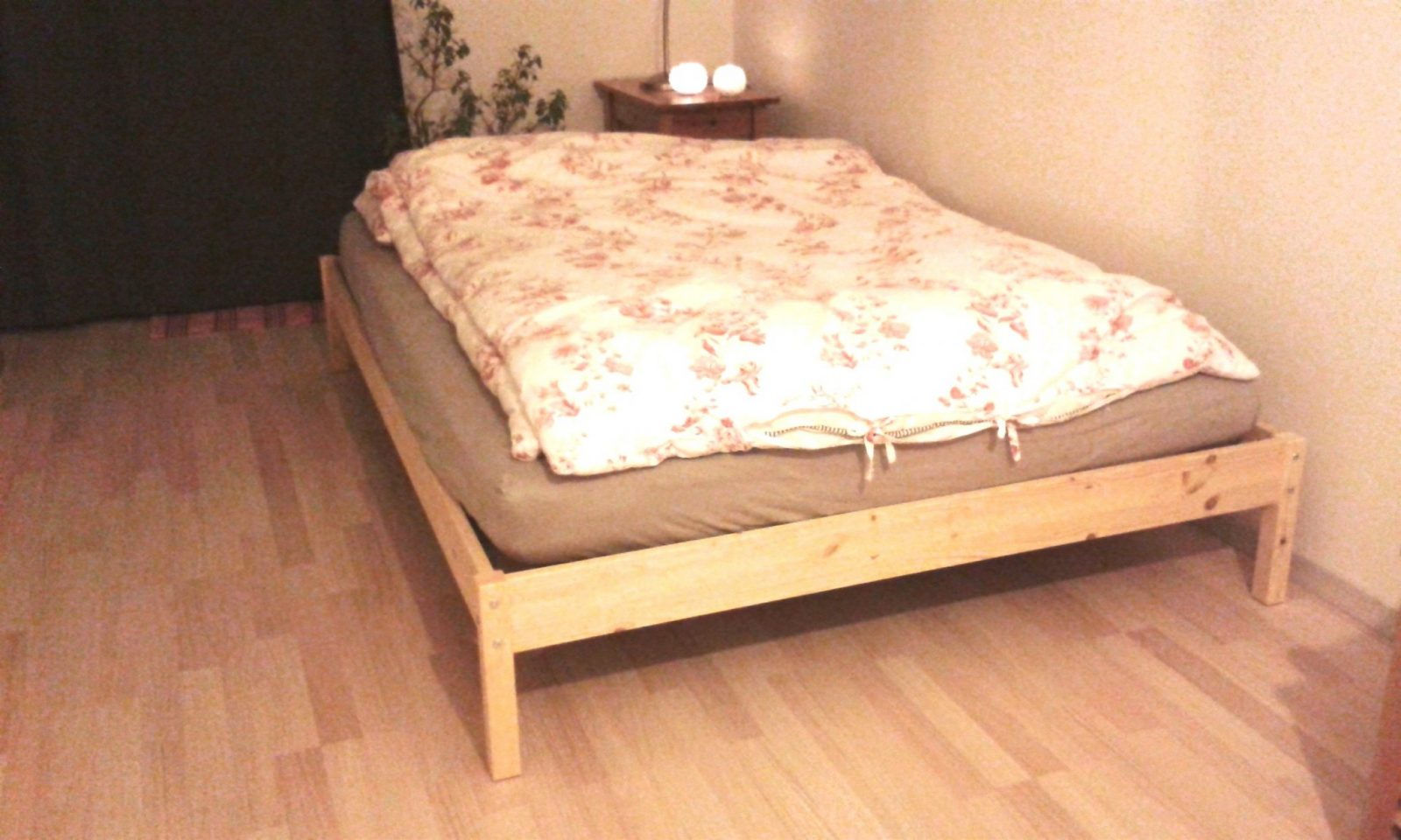 Ein Bett Aus Europaletten Bauen Neu 39 Gartenmöbel Aus Paletten von Bett Aus Europaletten 140X200 Anleitung Bild