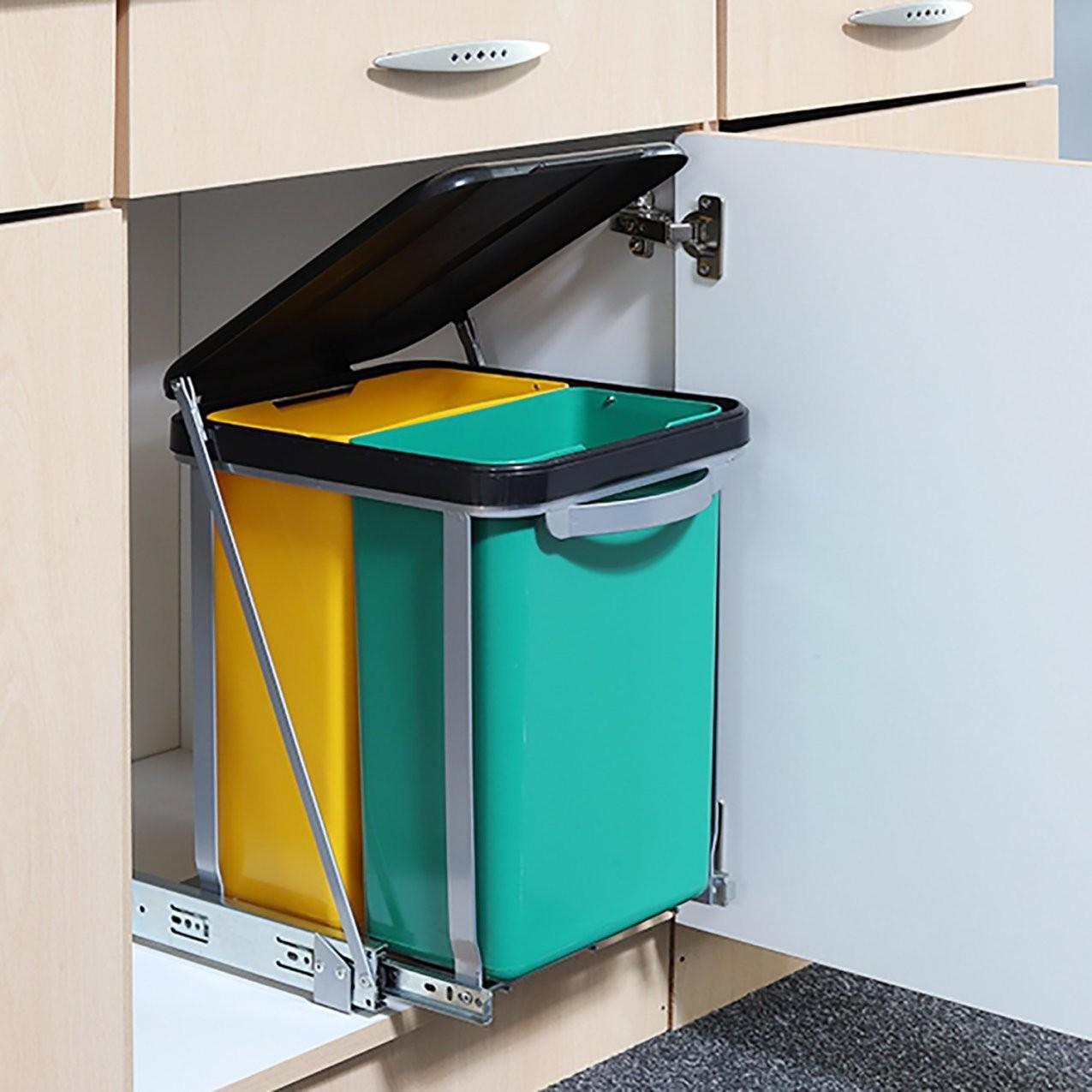 Einbau Mülleimer Küche  Mülleimer Küche Einbau Küchen In Le Smou von Einbaumülleimer Küche Bild