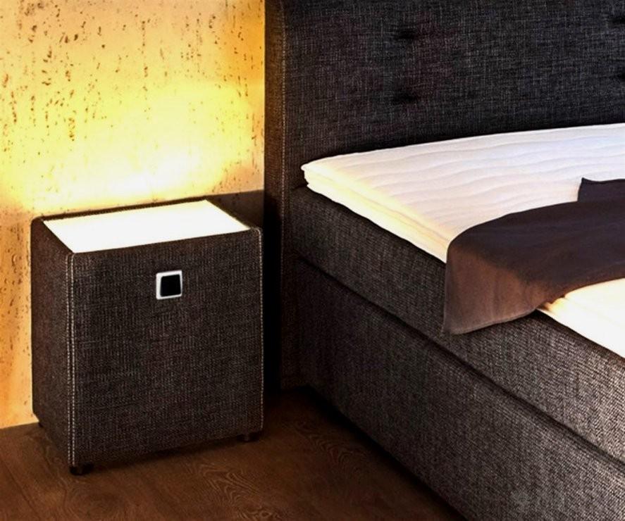 Erstaunlich Boxspring Bett Nachtschrank Edler Mit Drei Schubladen von Boxspring Bett Nachtschrank Bild