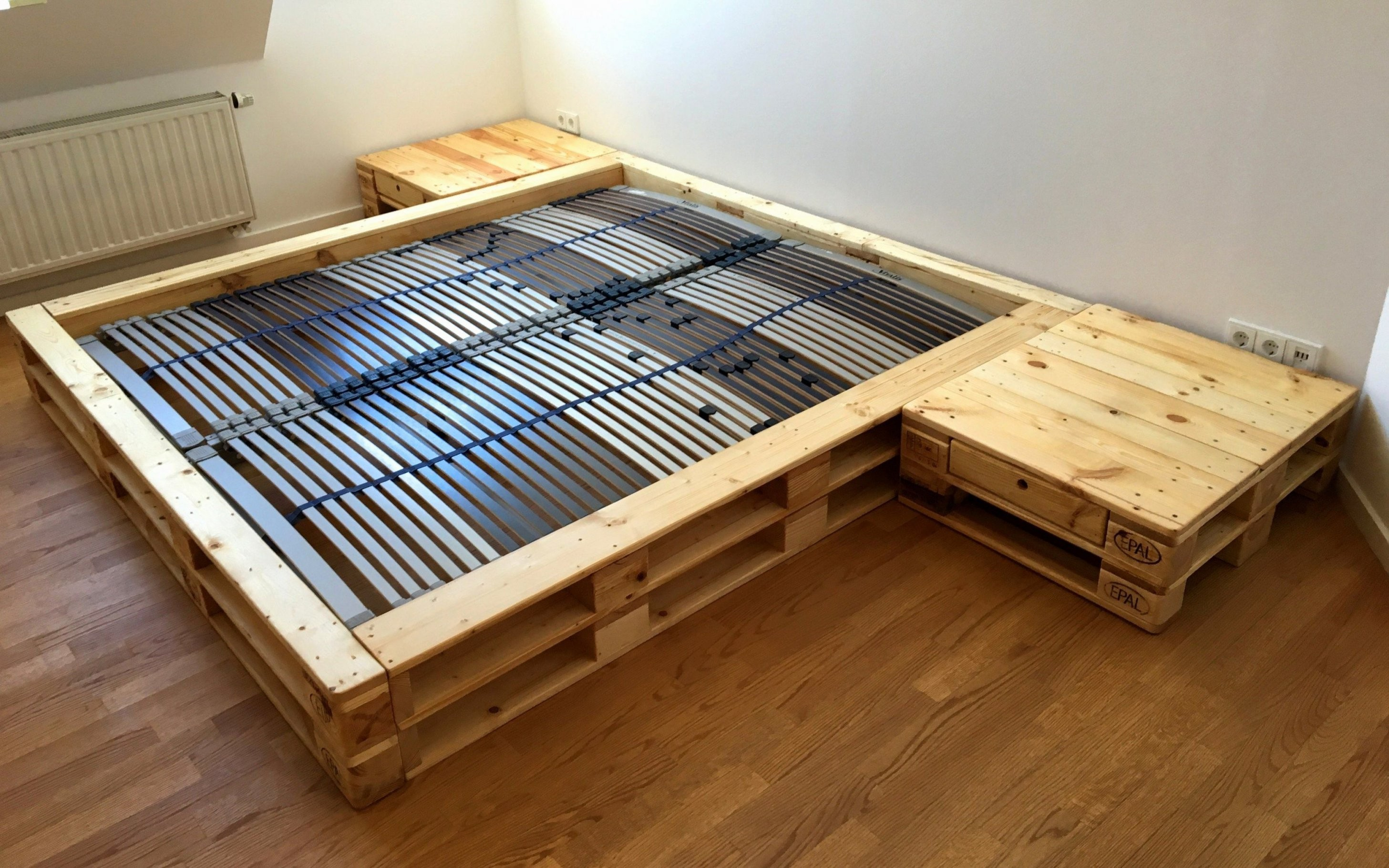 Europaletten Bett 180×200 Frisch 47 Bett Im Wohnzimmer Von Bett Aus von Bett Aus Europaletten 180X200 Bild