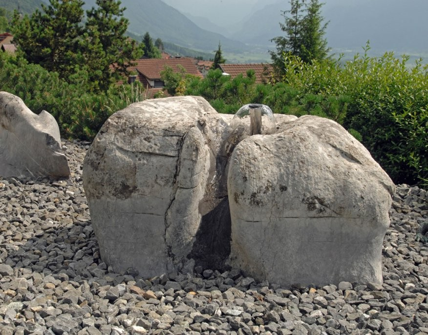 Faszinierend Große Steine Für Garten Findlinge Egli Garten Ag von Große Steine Garten Photo