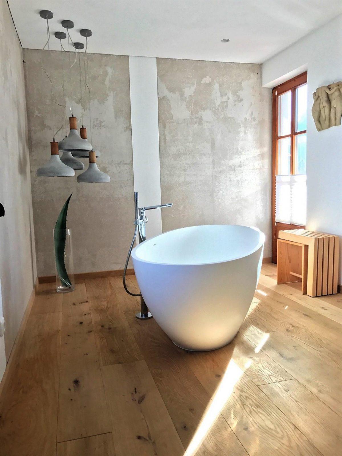 Freihstehende Badewannen Entdecke Hingucker Bei Couch von Bad Mit Freistehender Badewanne Photo