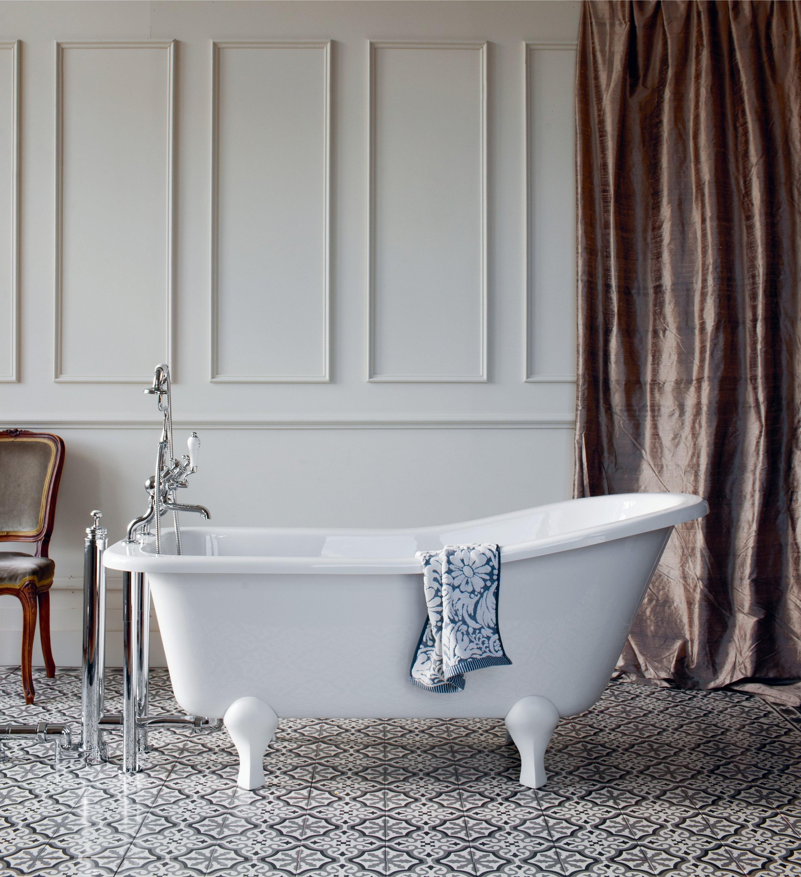 Freistehende Badewanne Buckingham  Traditionelle Badezimmer von Retro Badewanne Freistehend Bild