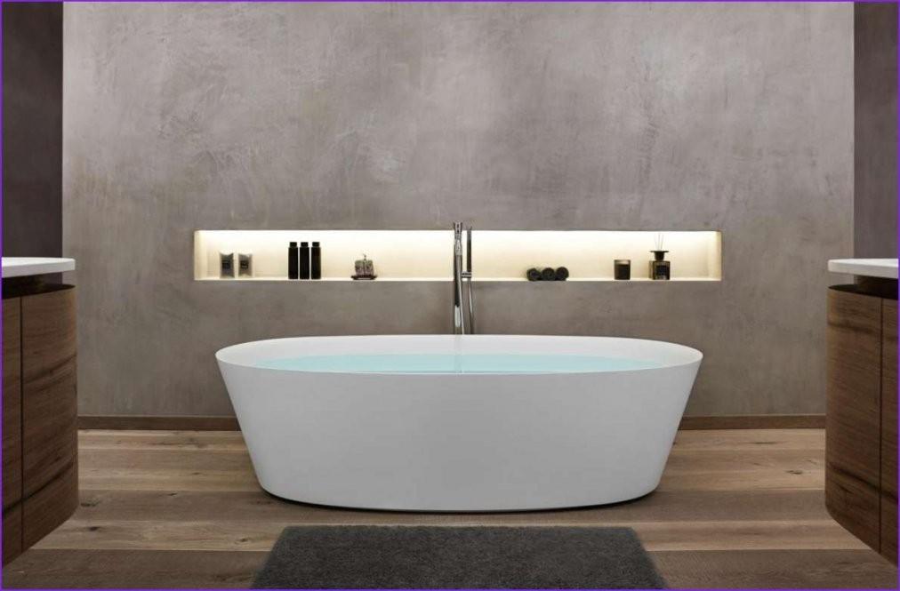 Freistehende Badewanne Dunkel — Cbm Badezimmer  Fenster Mit von Freistehende Badewanne Villeroy Boch Bild