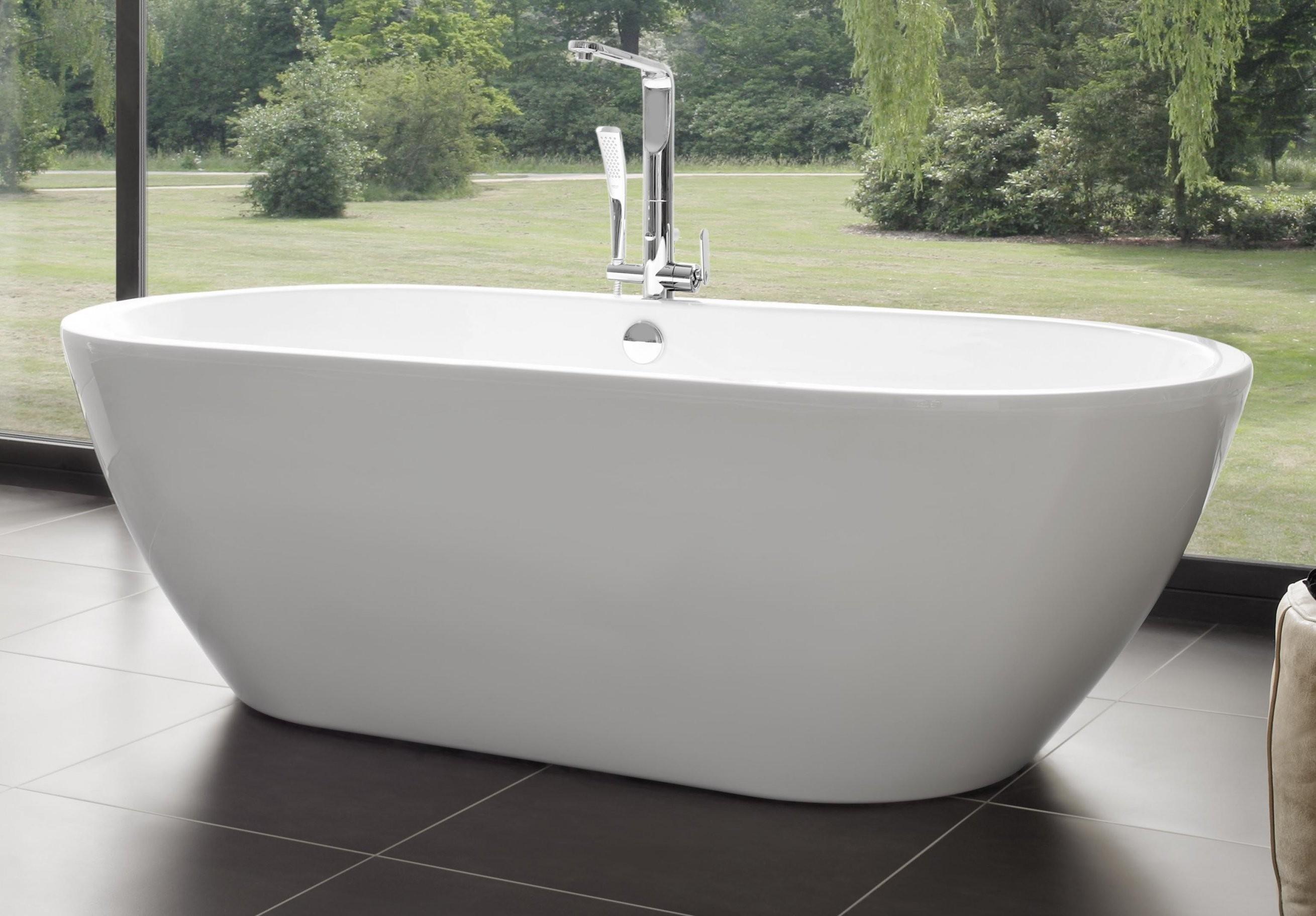 Freistehende Badewanne Form  Novobad von Badewanne Emaille Freistehend Bild