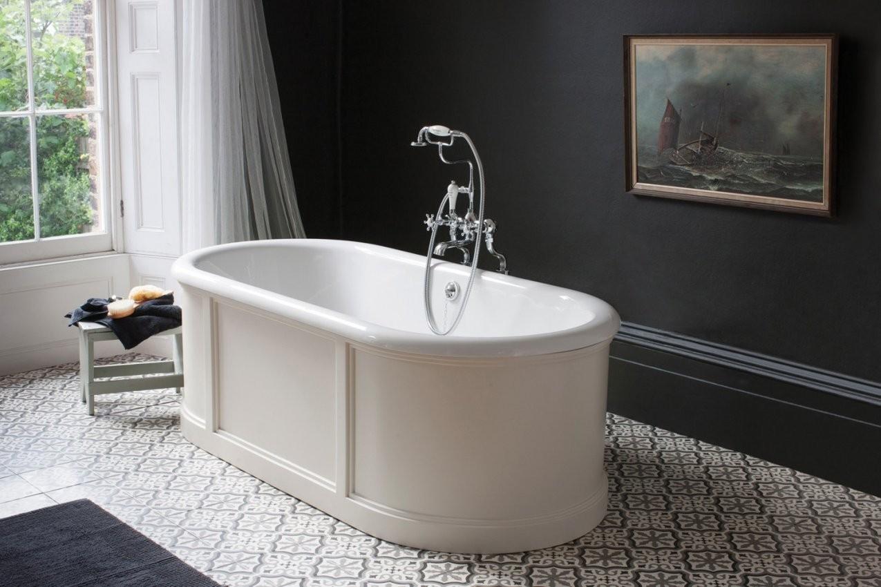 Freistehende Badewanne London Mit Paneelenverkleidung Weiß  Retrobad von Retro Badewanne Freistehend Photo