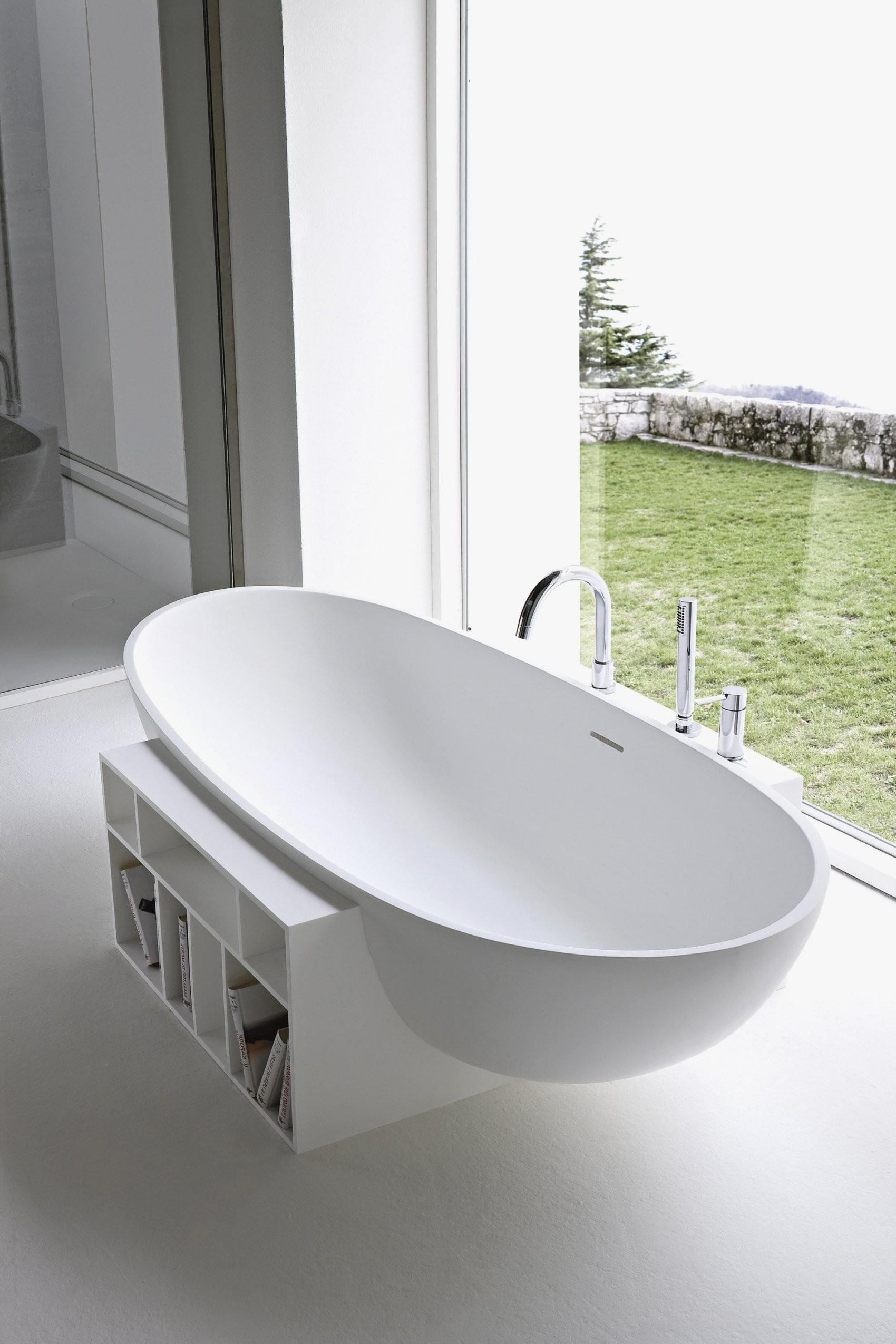 Freistehende Badewanne Mit Fussen Acryl Wanne Im Klassischen Stil von Freistehende Badewanne Gebraucht Bild