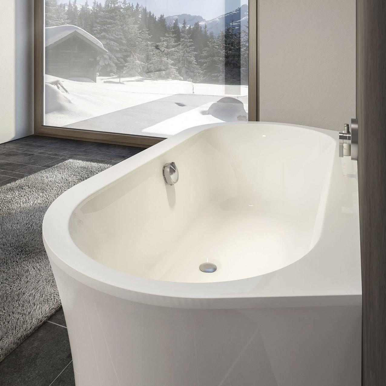 Freistehende Badewanne  Oval  Aus Acryl  Primeline Wall von Ovale Freistehende Badewanne Bild