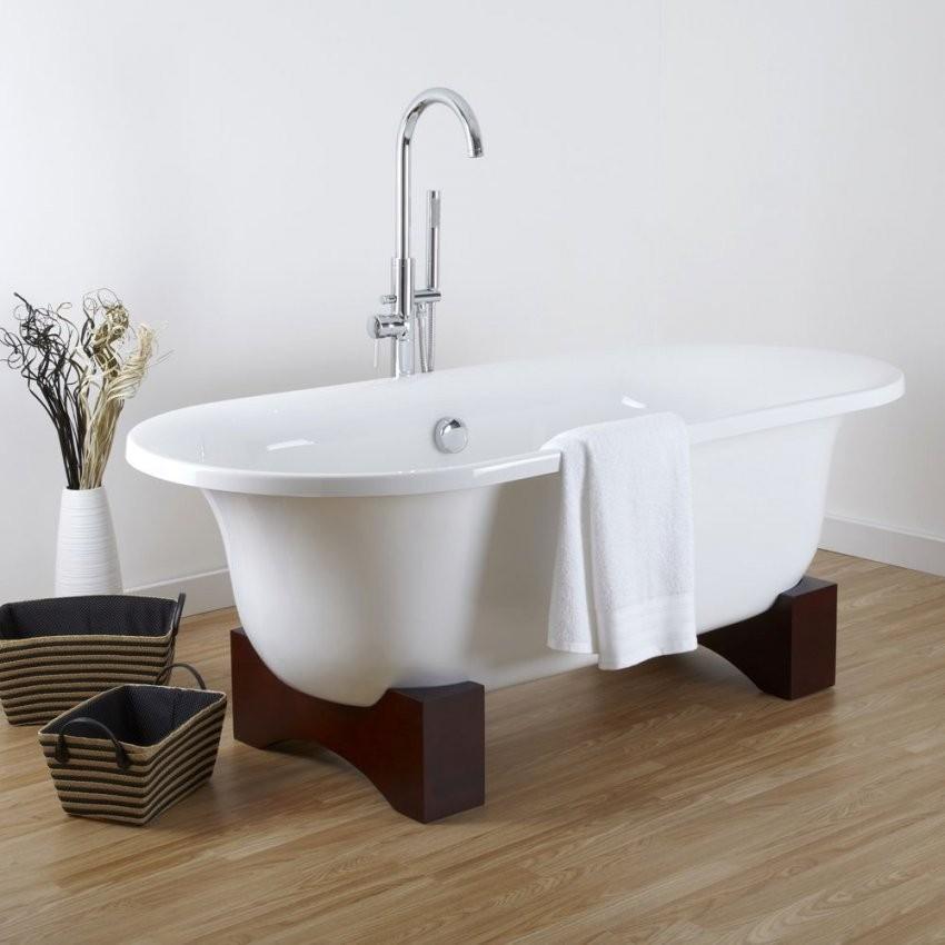 Freistehende Badewanne Oval Mit Holzfüßen  Miami von Freistehende Badewanne Mit Füßen Bild