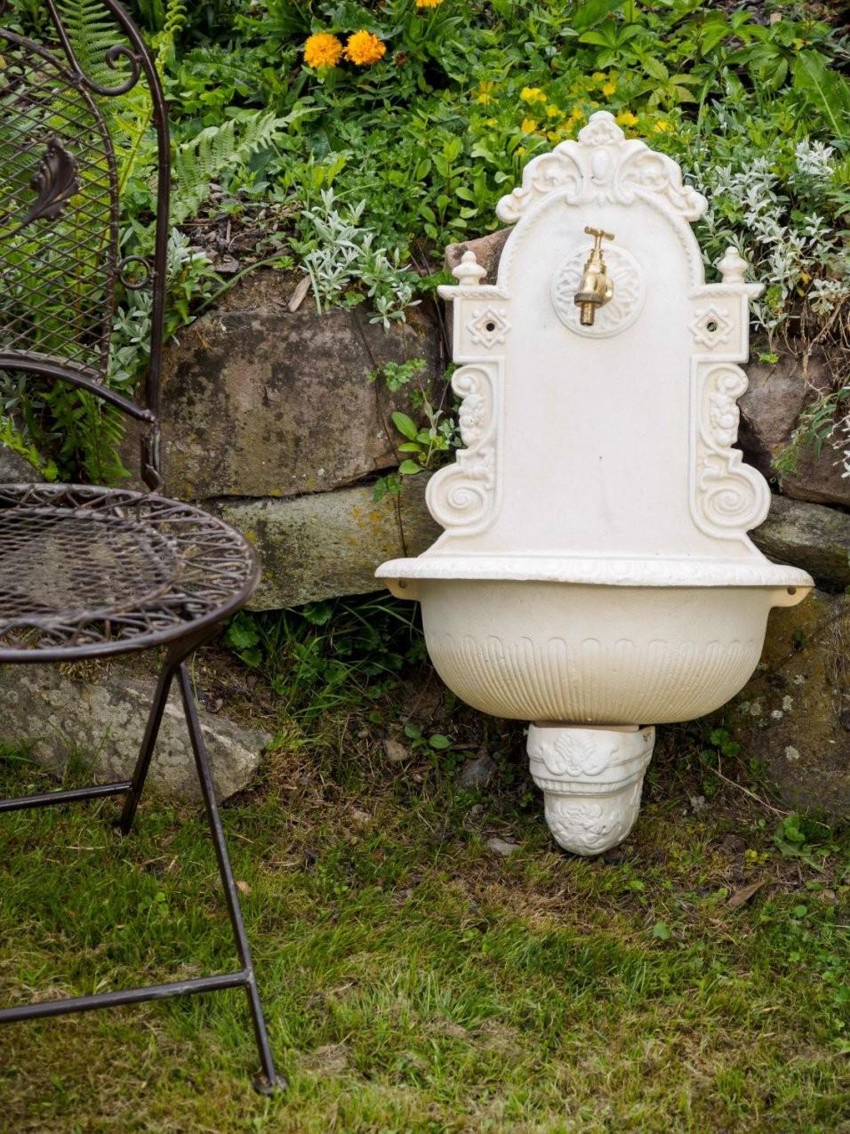 Garten Waschbecken  Garten Waschbecken Stein Doppelwaschbecken von Wandbrunnen Garten Stein Photo