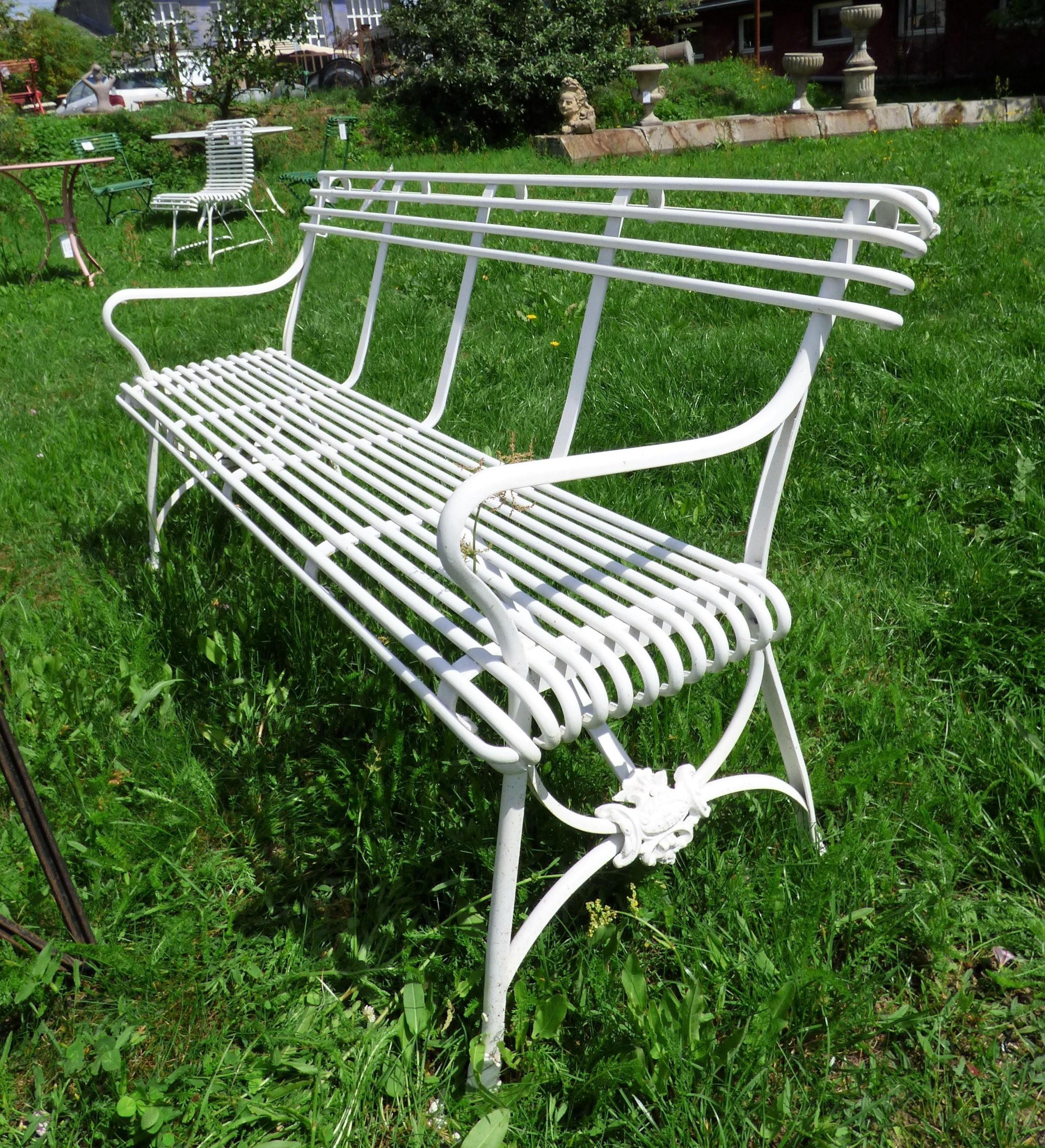 Gartenbank  Metall Weiß  Historische Bauelemente  Jetzt Online von Gartenbank Weiss Metall Photo