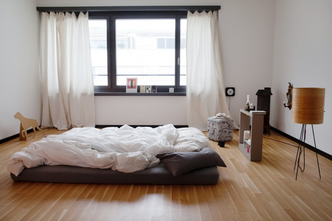 In Der Stadtwohnung Von Designer Kevin Fries  Sweet Home von Nur Matratze Als Bett Photo