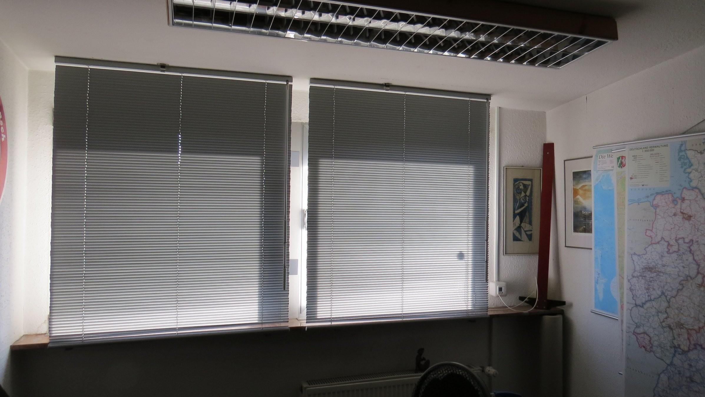 Innenjalousien Für Giebelfenster  Rollomeister von Jalousien Für Fenster Innen Bild