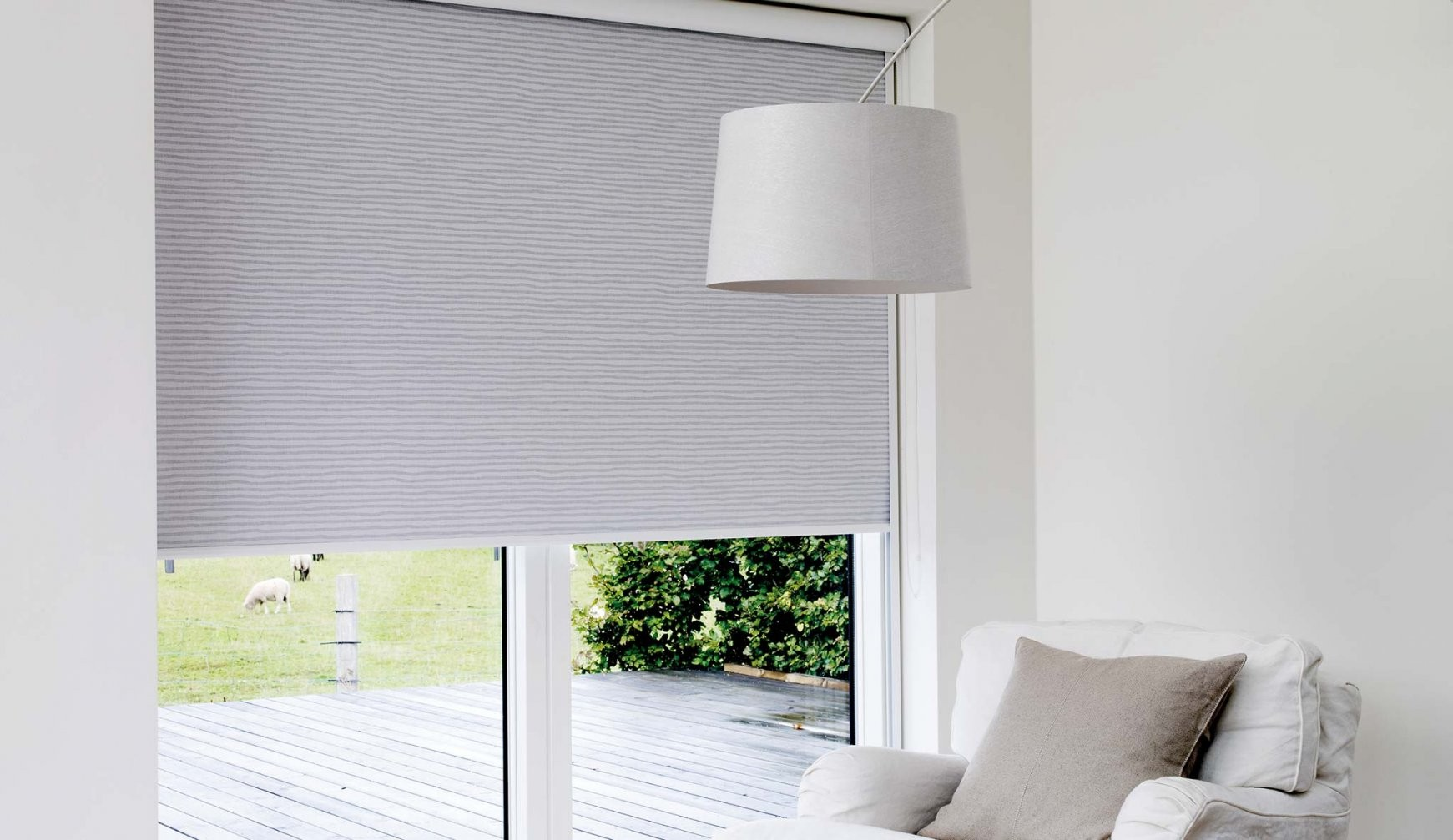 Innenrollos Am Fenster  Hochreflektierend  Vom Hersteller Rollos von Fenster Rollos Für Innen Photo