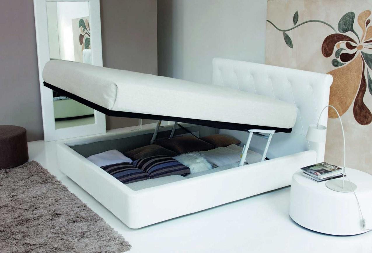 Italienisches Lederbett Cordoni  Elegantes Bett Aus Leder Aus Italien von Moderne Betten 120X200 Bild