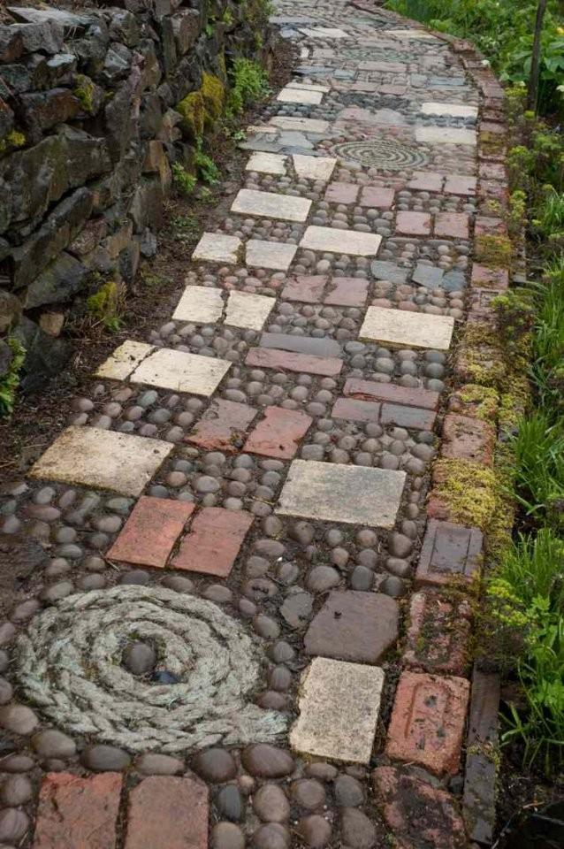 Kieselstein Mosaik Im Garten Legen Für Hübsche Wege & Terrassen von Steine Im Garten Verlegen Photo