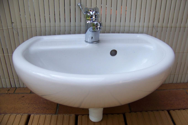 Kleines Waschbecken 40 X 33 Cm Mit Armatur Selten Genutzt Gäste Wc von Armatur Für Kleines Waschbecken Bild
