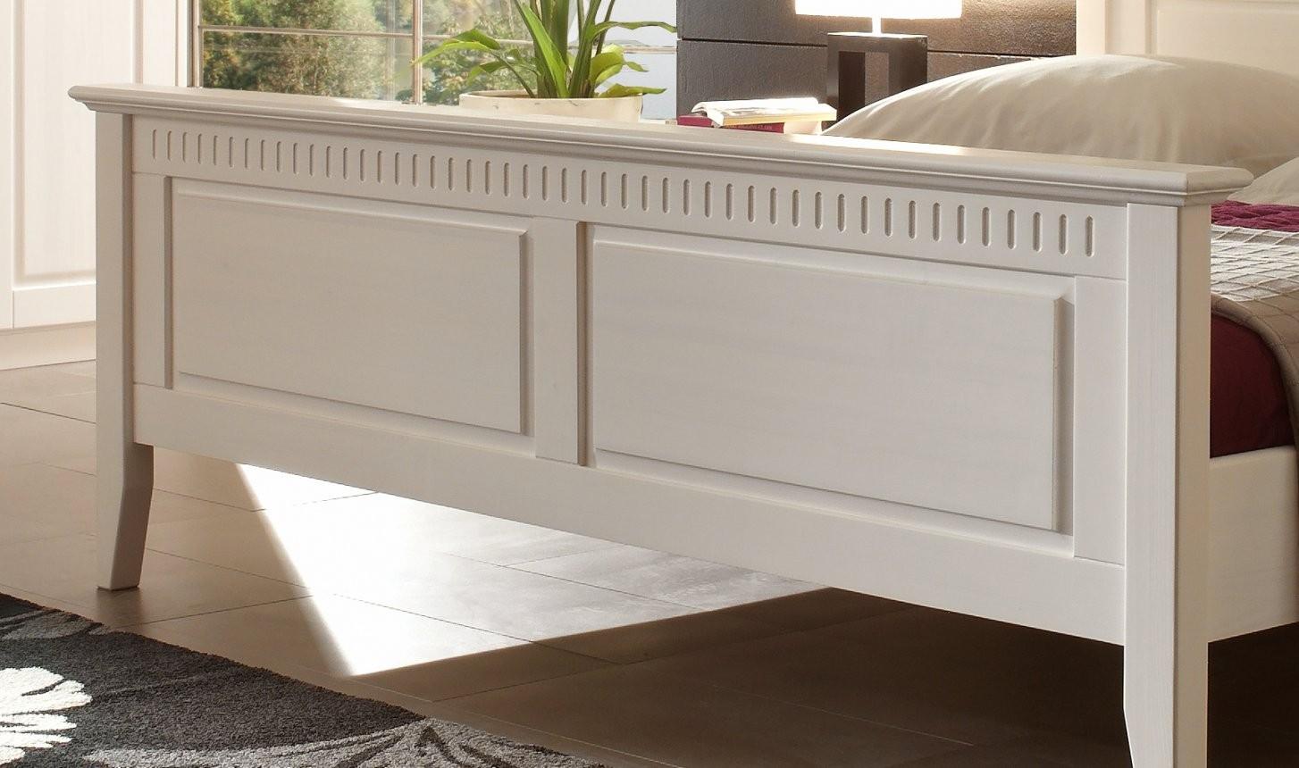 Massives Doppelbett Kiefer Weiß Im Landhausstil  Designermöbel von Bett Landhausstil Weiß 180X200 Bild