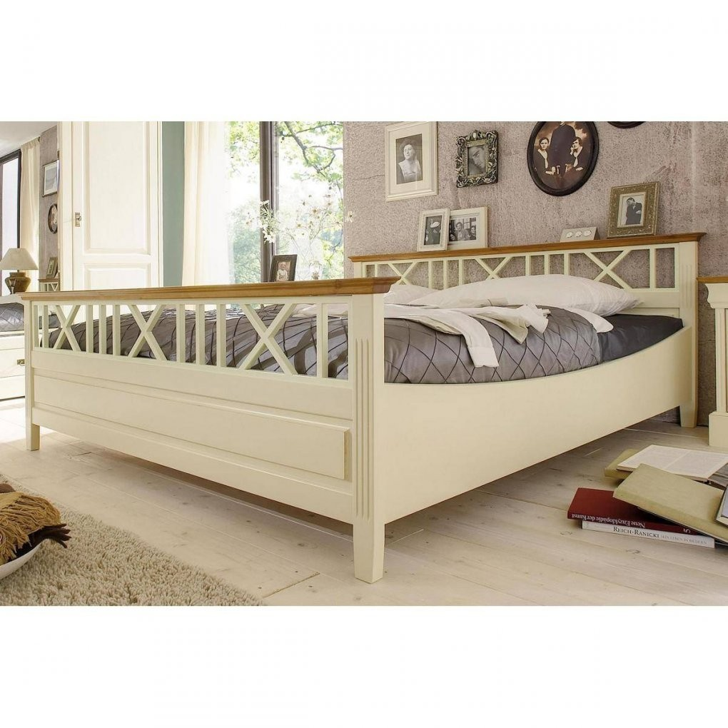 Massivholz Schlafzimmer Komplett Kiefer Massiv Wei Roland Ii Von von Bett Landhausstil 180X200 Bild