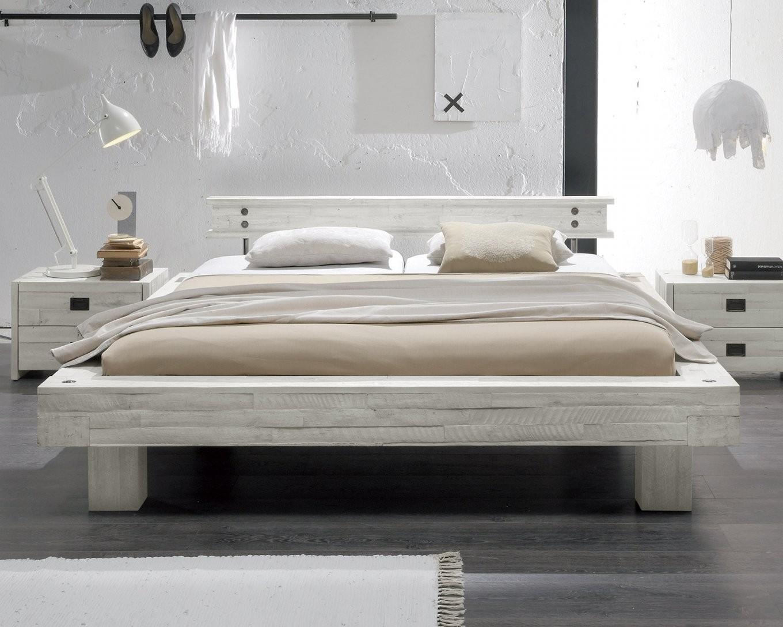 Massivholzbett Im Vintage Stil In Weiß Kaufen  Buena von Bett Metall Weiß 180X200 Photo