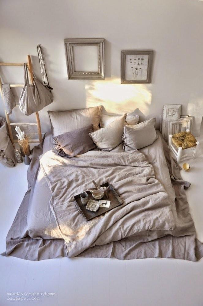Matratze Auf Dem Boden Ohne Bettgestell Hat Man Gleich Viel Mehr von Matratze Statt Bett Photo