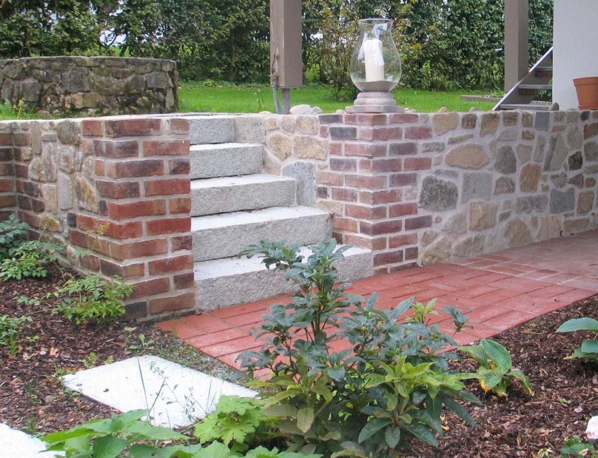 Mauertrockenmauerstein  Gartengestaltunggartenbaureischl von Garten Mauern Steine Photo