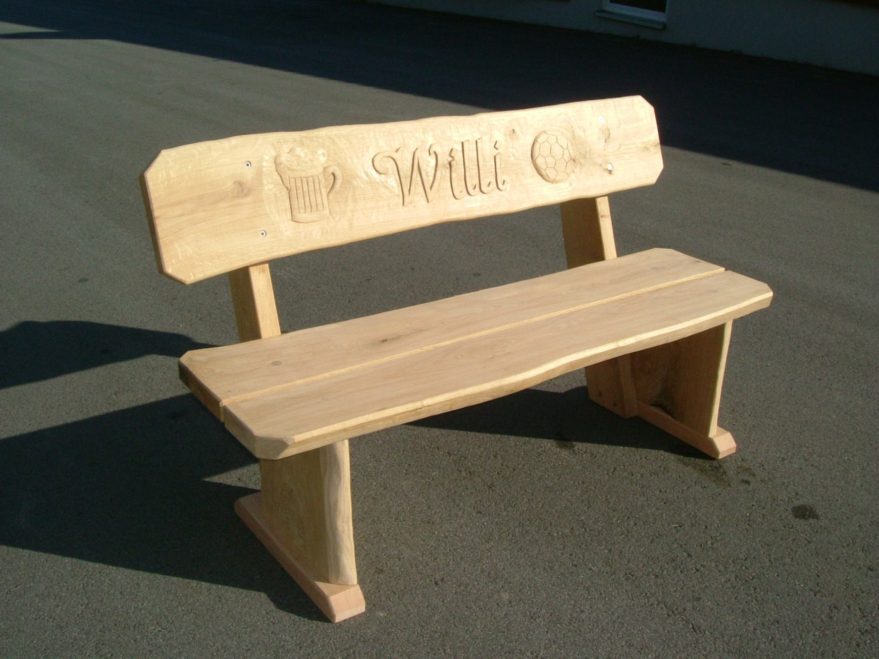 Möbel Mit Gravuren  Die Holzfabrik von Holzbank Garten Rustikal Photo