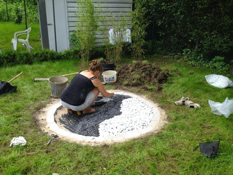 Momente Im Garten  Glück Freude Und Freiheit  Zen  Garten von Weiße Steine Garten Bild