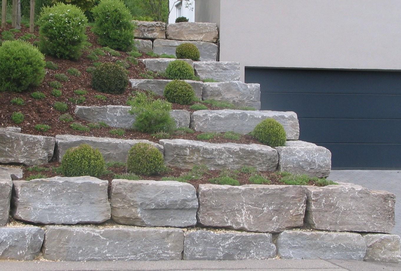 Muschelkalk Mauersteine Quadersteine Für Mauern Und Hänge von Große Steine Garten Photo
