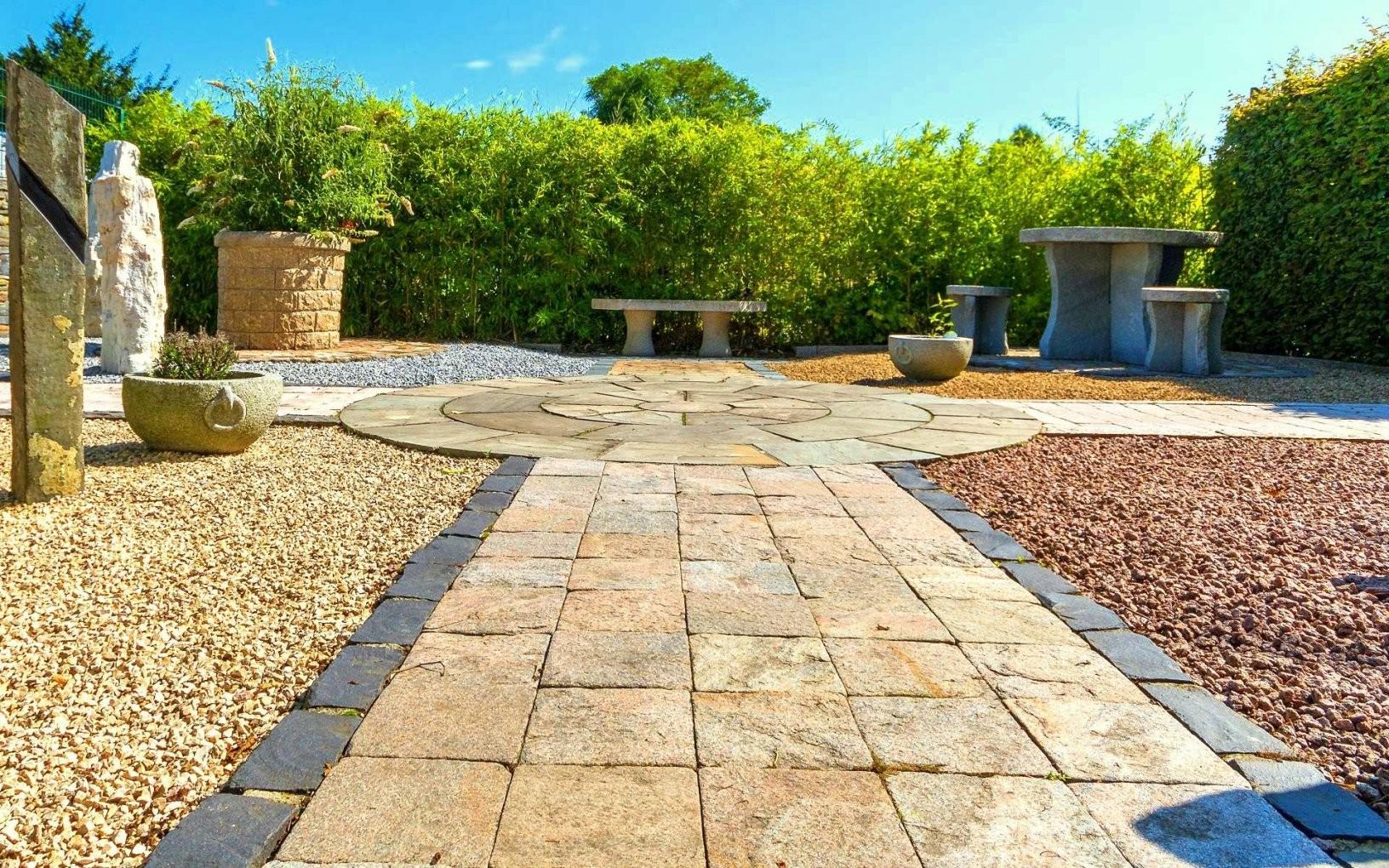Natursteine Für Den Garten von Garten Splitt Steine Photo