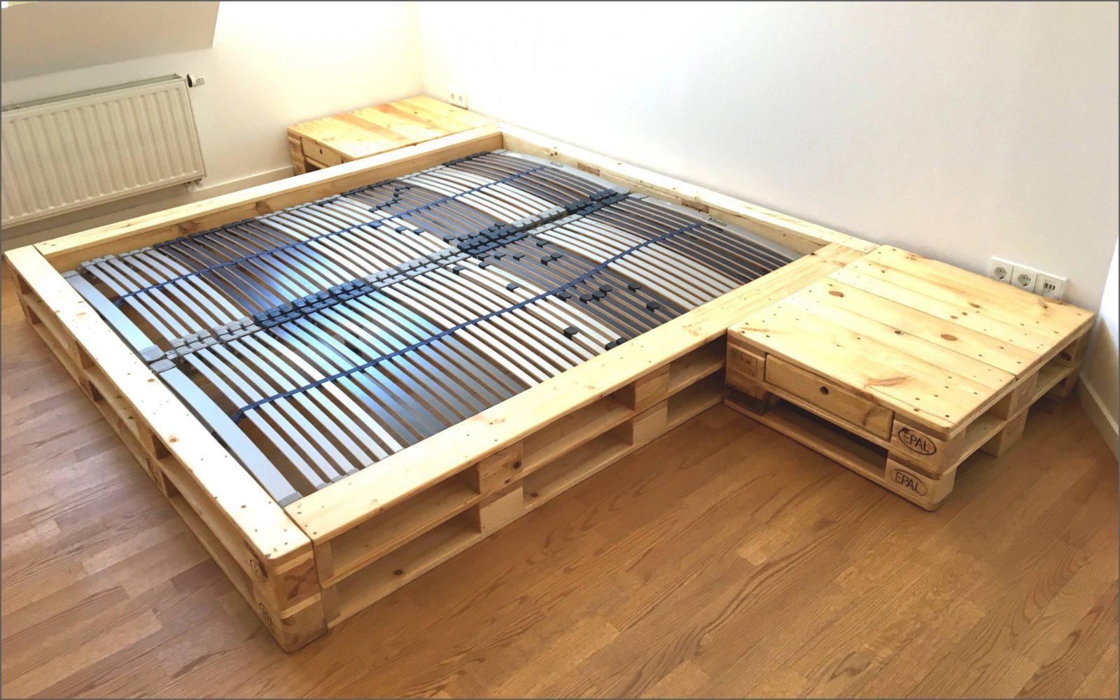 Palettenbett Angesagte Diy Betten Aus Holz Dawanda Von Paletten Bett von Paletten Bett 200X200 Bild