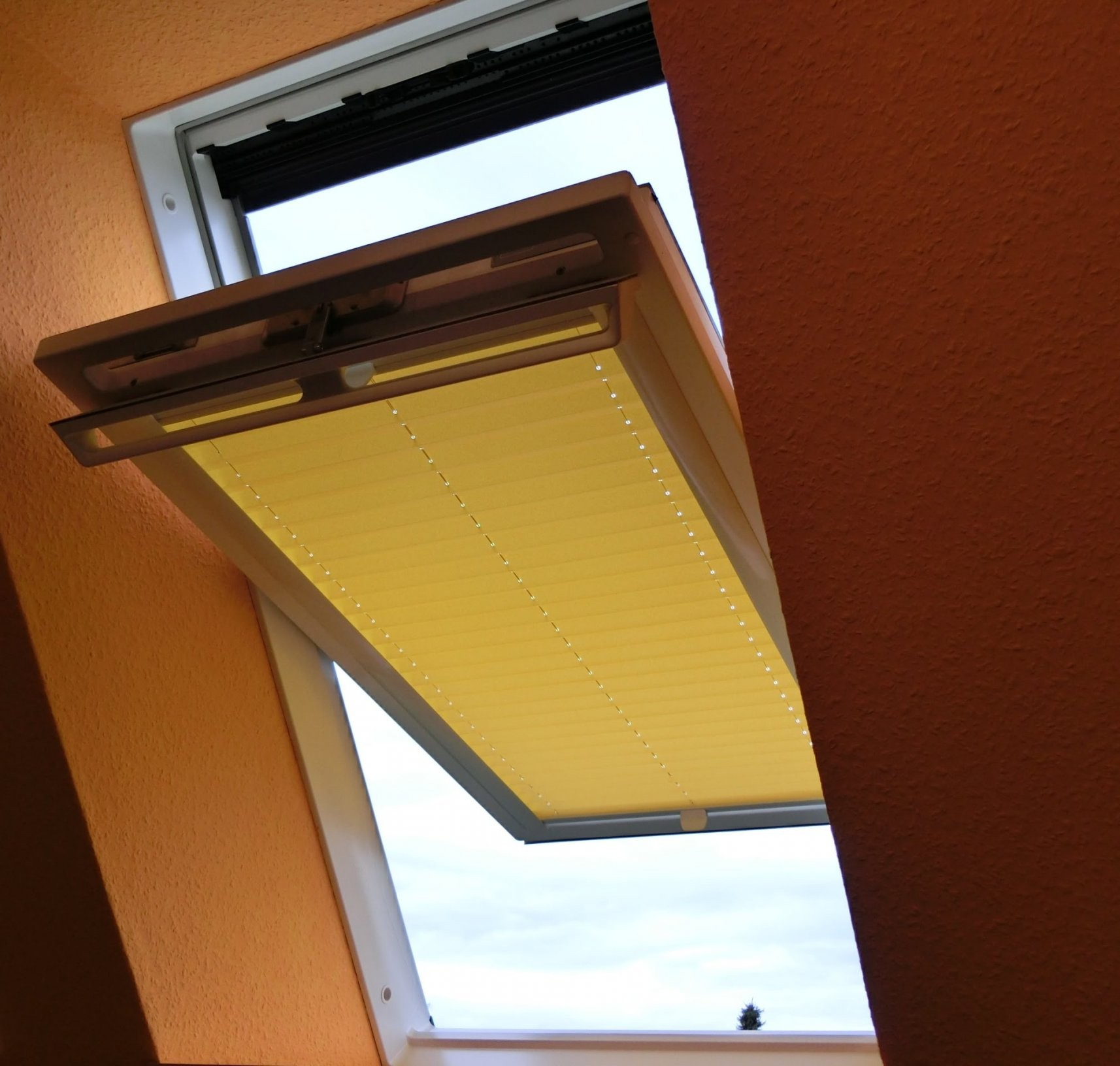 Plissee Dachfenster Ohne Bohren Ausgezeichnet Plissee Sonnenschutz von Rollos Für Fenster Ohne Bohren Bild