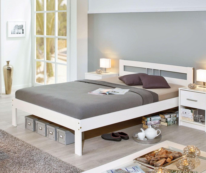 Preiswertes Bett Aus Weißer Kiefer Z B In 140X200 Cm  Genf von Polsterbett Weiß 140X200 Bild