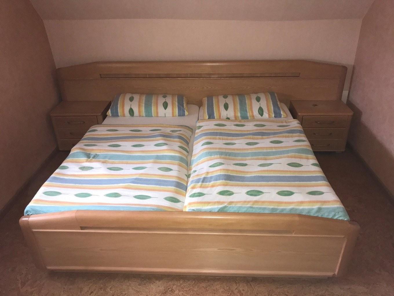Schlafzimmer Esche Gebraucht  Schrank Gr U Kl  Bett 200X200  2 von Bett 200X200 Gebraucht Photo