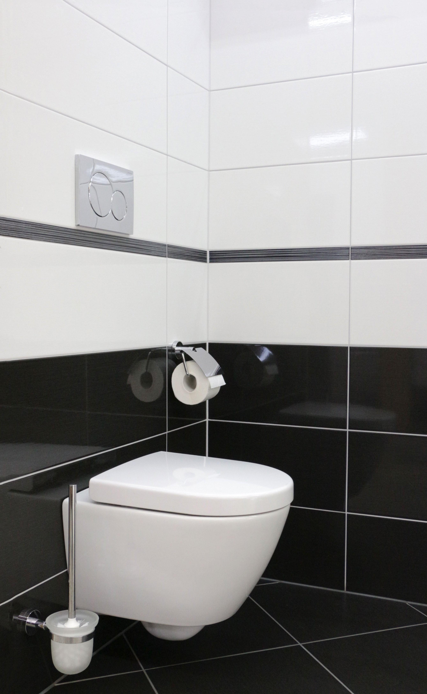 Schwarzweiß Ein Klassiker Badezimmerbad Bath Fliesen von Badezimmer Fliesen Ideen Schwarz Weiß Bild