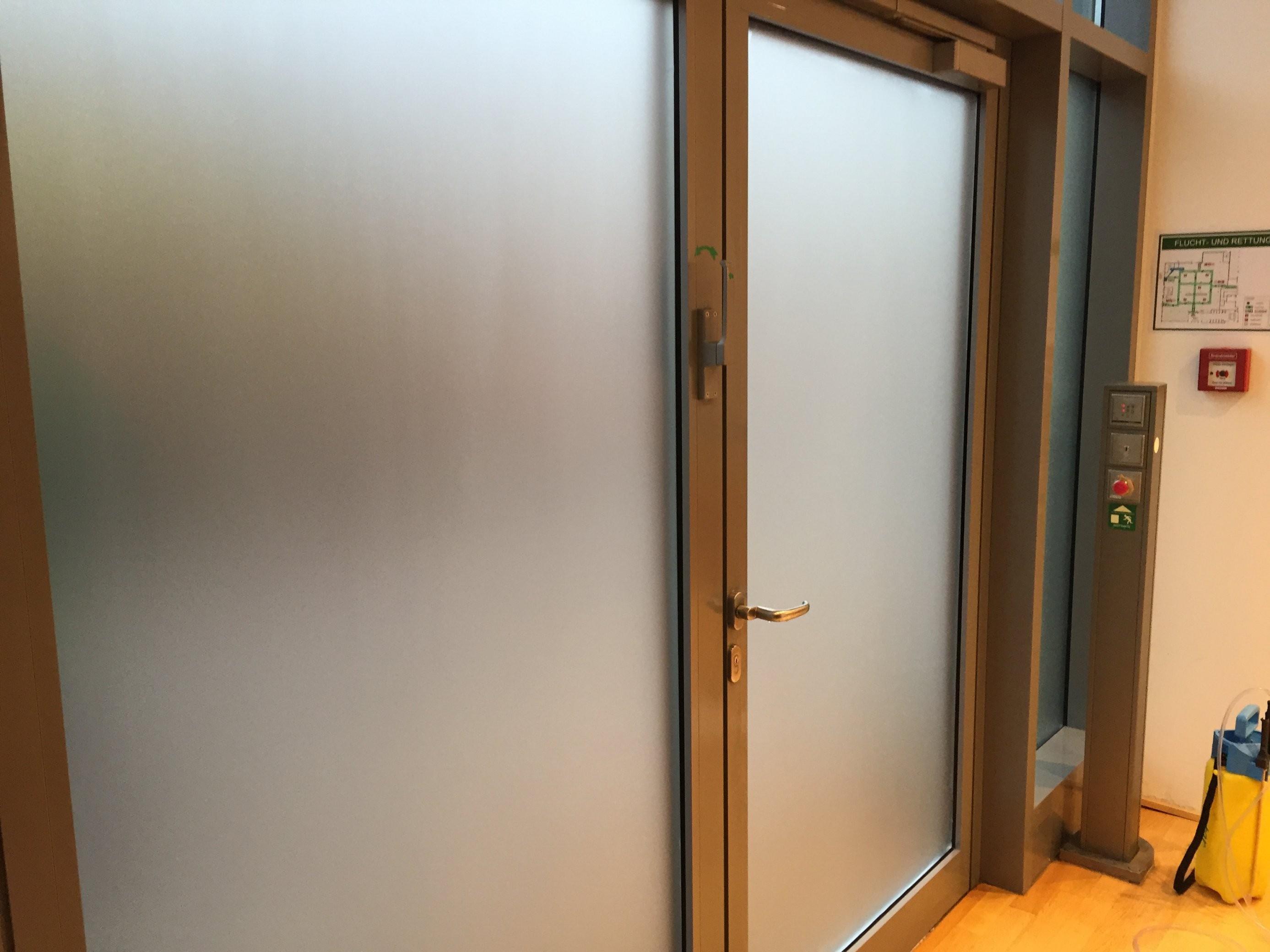 Sichtschutzfolie Für Ihr Fenster  Profimontage Aus Berlin von Fensterfolie Sichtschutz Einseitig Bild