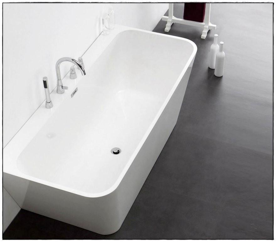 Stilvolle Freistehende Badewanne Mit Armatur Freistehende Badewanne von Armatur Für Freistehende Badewanne Bild
