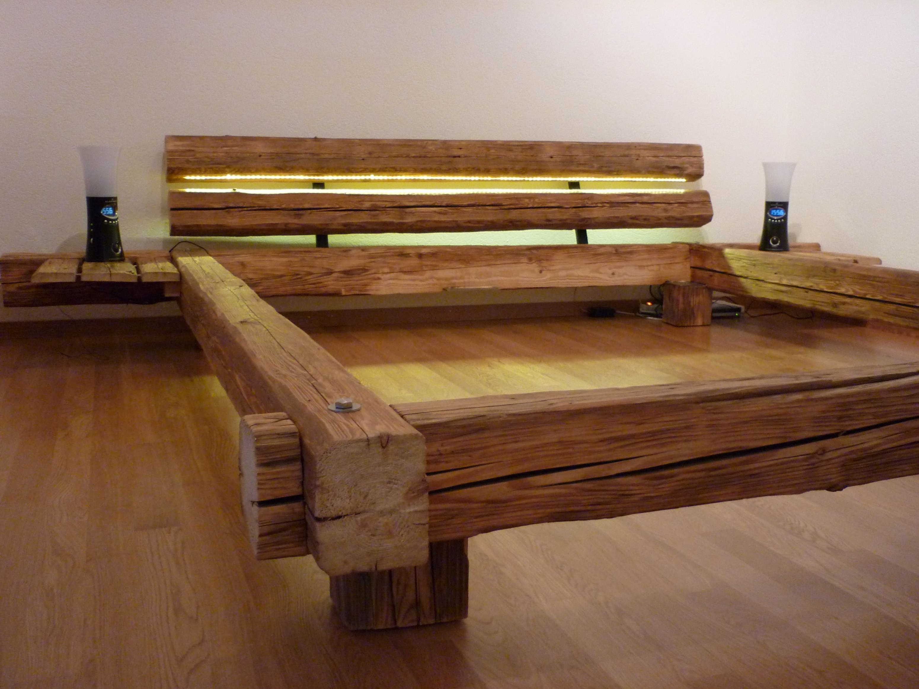 Tolle Bett Aus Massivholz  Holzmöbel In 2018  Pinterest  Bett von Bett Selber Bauen Anleitung 140X200 Bild