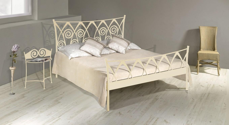 Verschnörkeltes Bett Z B In Weiß Ab 160X200  Trojan von Bettgestell 160X200 Weiß Bild